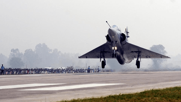 Image of IAF Landing Operations on Agra-Lucknow Expressway