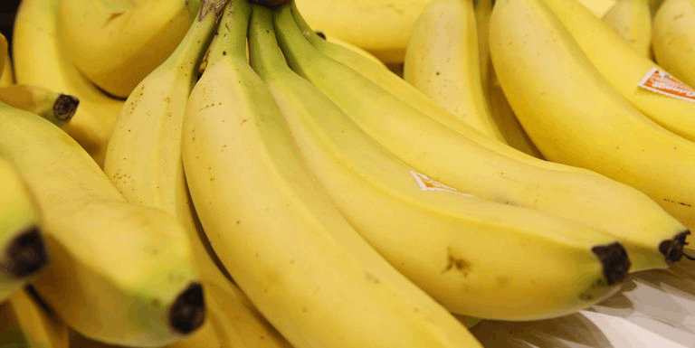 Image of Why is the size of the banana curved